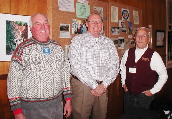 Clerk of the U.S. Supreme Court Bill Suter is welcomed as the guest speaker by Ruritan President Bobby Goodwin (L) and Program Chair Glenn Miller (R)